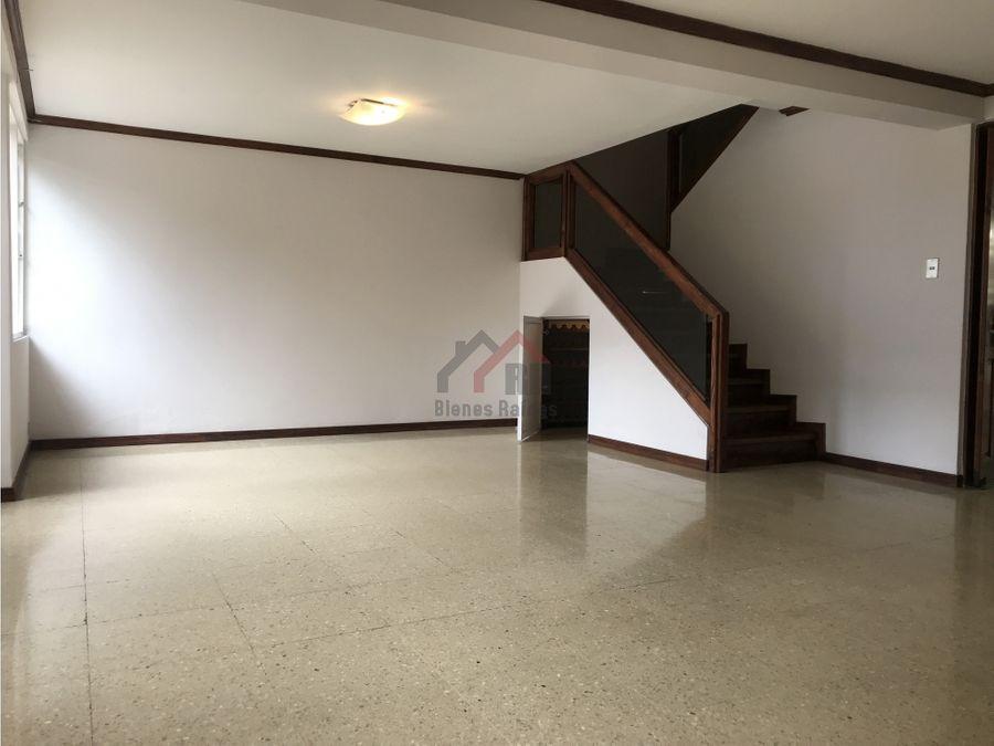 apartamento en alquiler barrio escalante 3 habitaciones