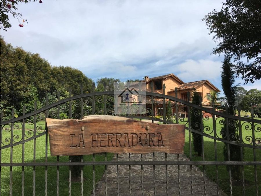 alquilo casa campestre en llanogrande antioquia