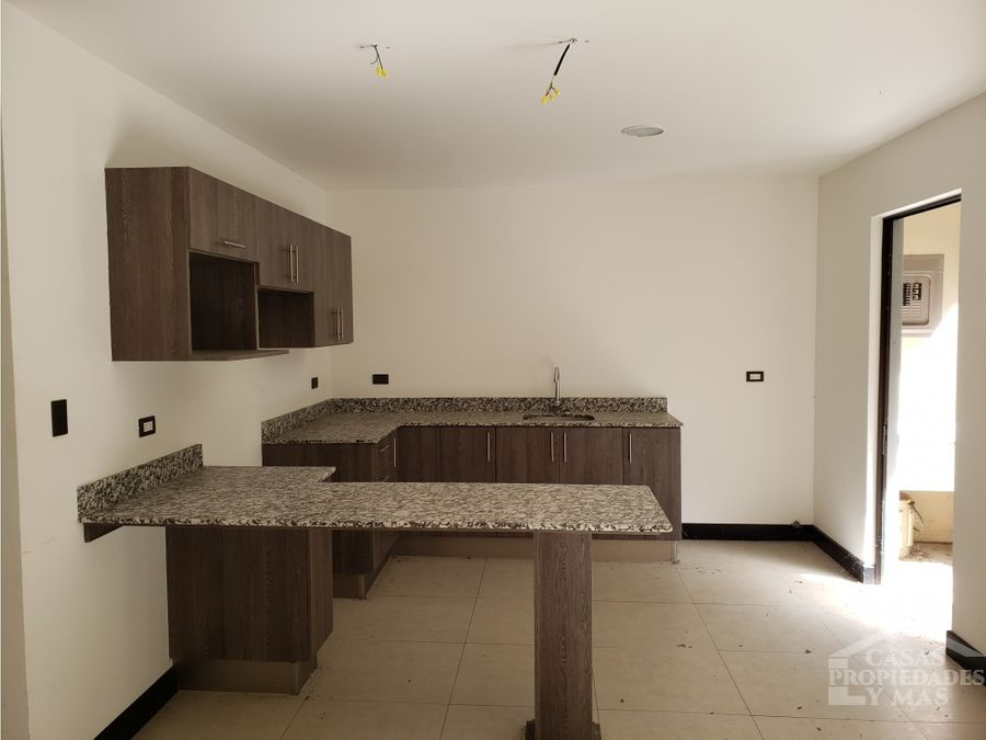 venta casa en condominio oreamuno de cartago remate b