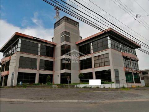 se vende edificio comercial esquinero de 4 niveles ubicado en zarcero