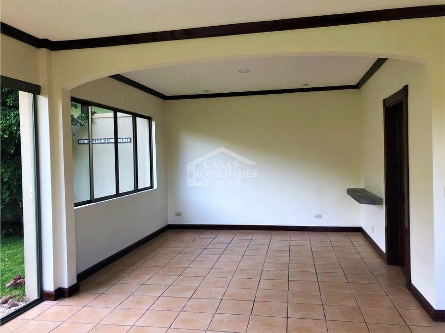 remate bancario casa en venta en condominio en jaboncillos escazu