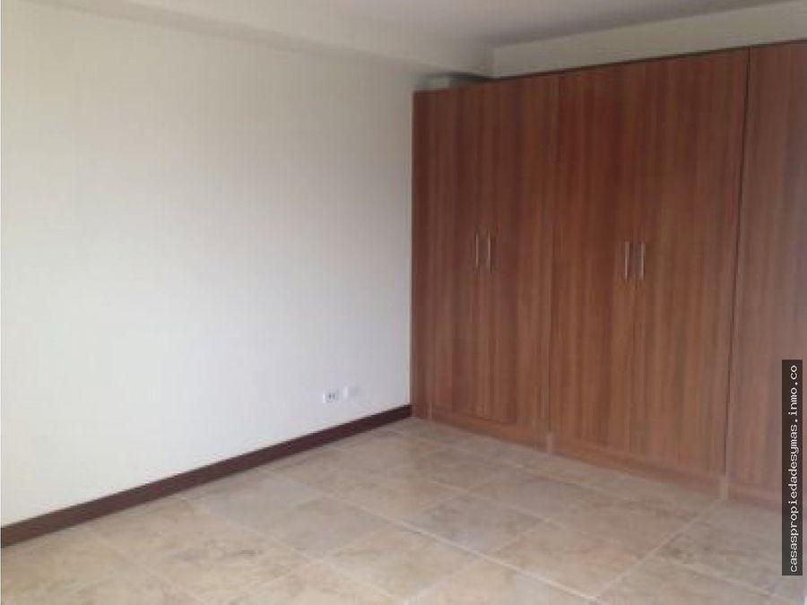 se alquila apartamento en condominio en torre