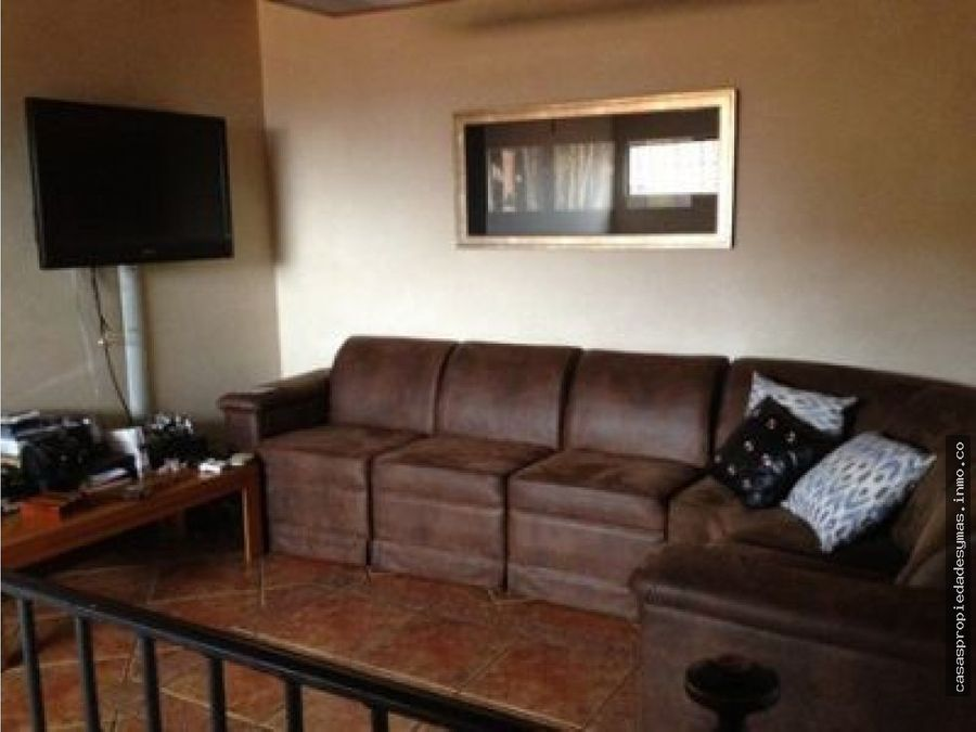 casa apta para residencia comercio u oficina