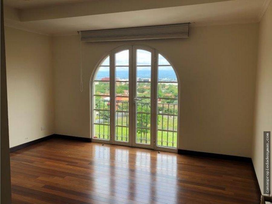 alquiler y venta de apartamento en cortijo los laureles