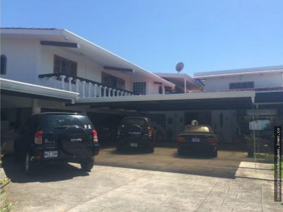 se vende casa con piscina en el coyol de alajuela