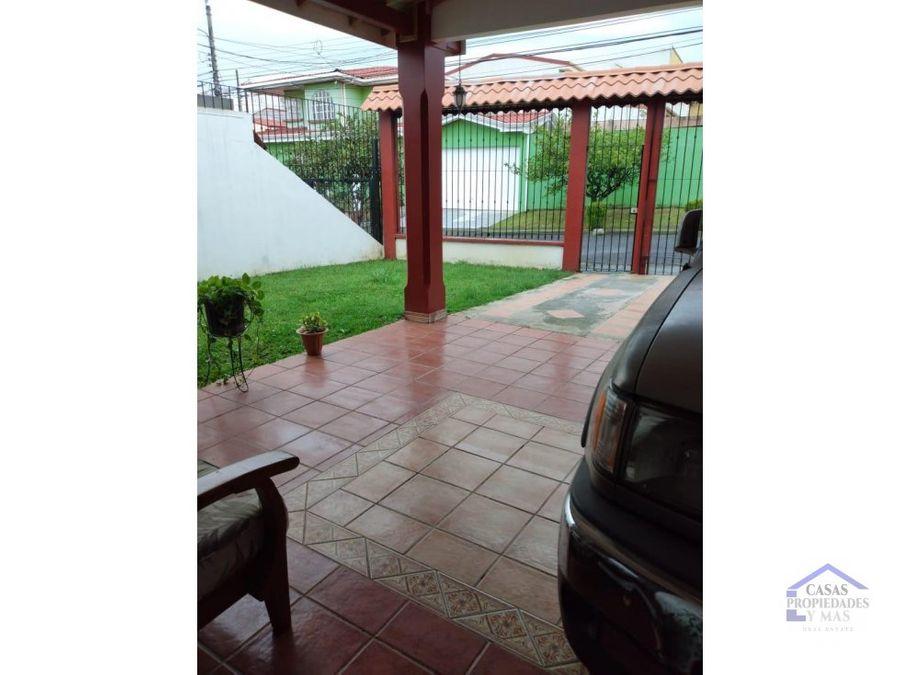 venta de casa curridabat ayarco 312 metros amplio patio