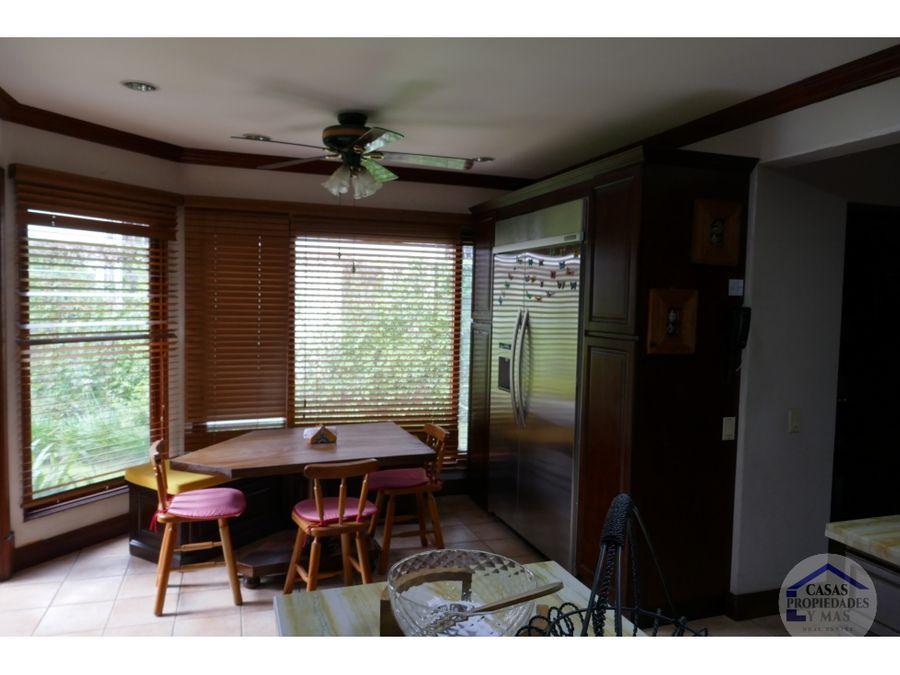 se vende casa en el exclusivo condominio bosques de lindora