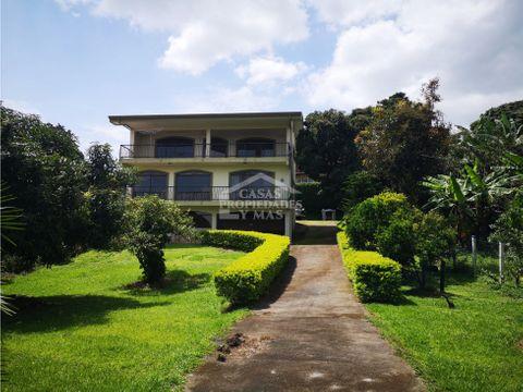 se vende casa de habitacion de 3 niveles ubicada en alajuela