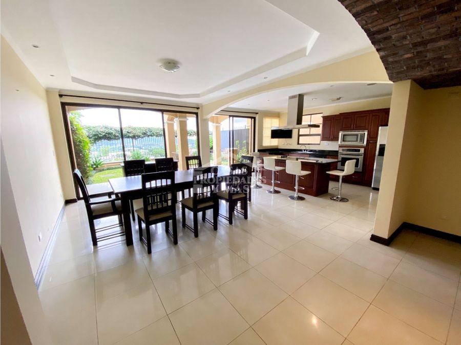 venta casa de lujo colinas de montealegre tres rios