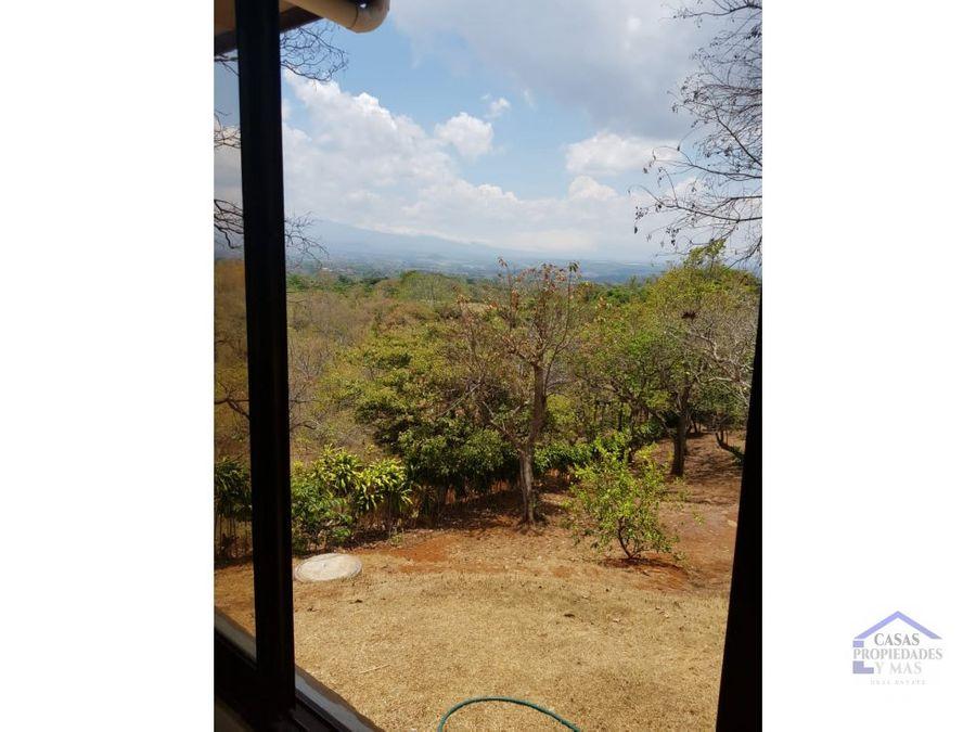 se vende hermosa casa en atenas con panoramicas vistas