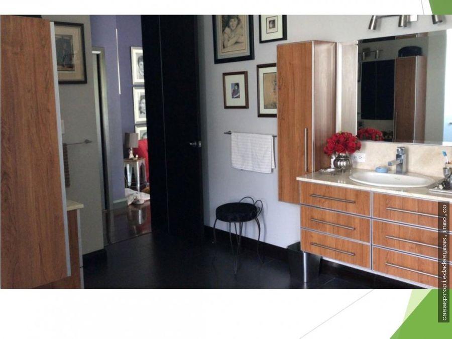 se vende casa en condominio en jaboncillos de escazu