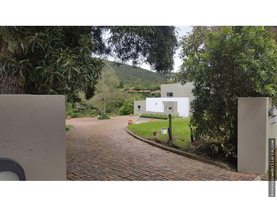 se vende casa en yerbabuena chia