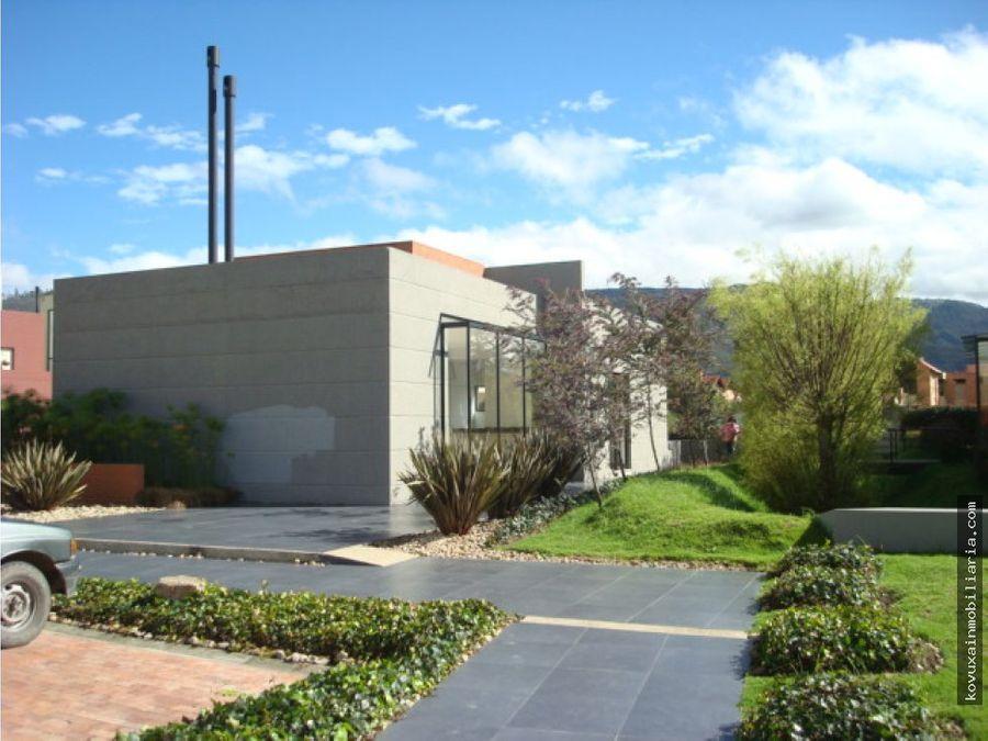 casa con club house en cajica