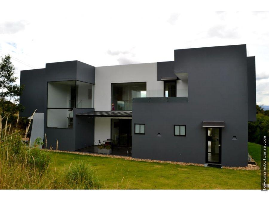 casa en venta en altos de hycata