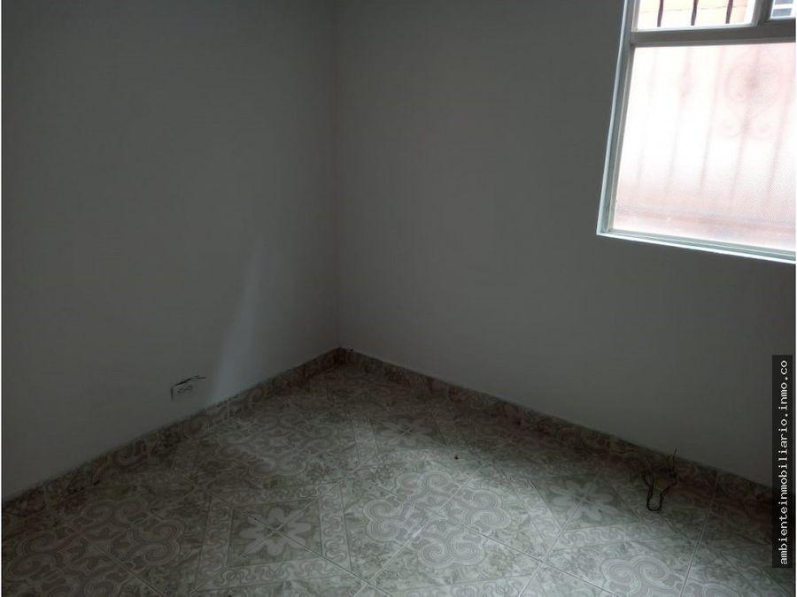 ofrezco casa en niquia de tres niveles