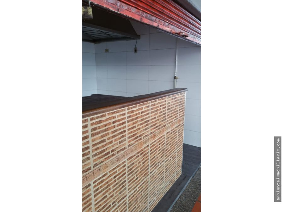 vendo local en punto central de medellin
