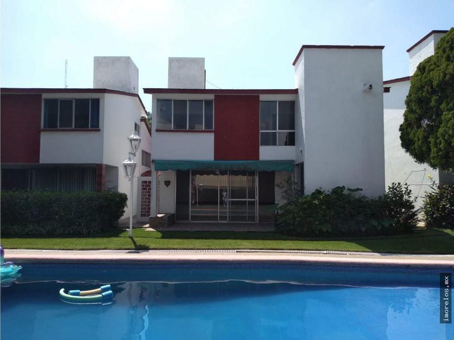 vista hermosa casa en condominio