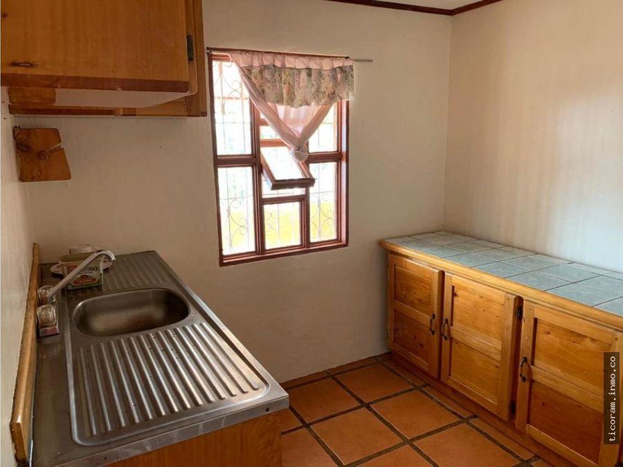 se vende casa y dos lotes palmita de naranjo