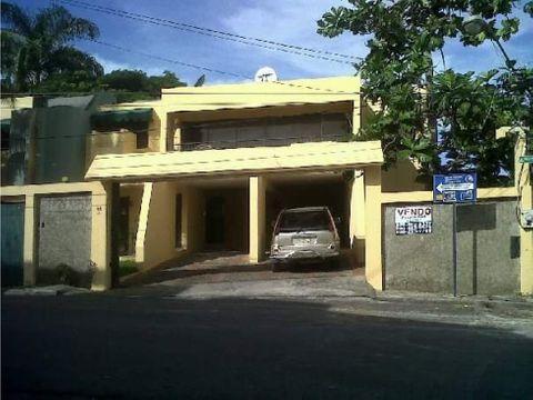 vendo casa con amplio terreno apropiado para inversion