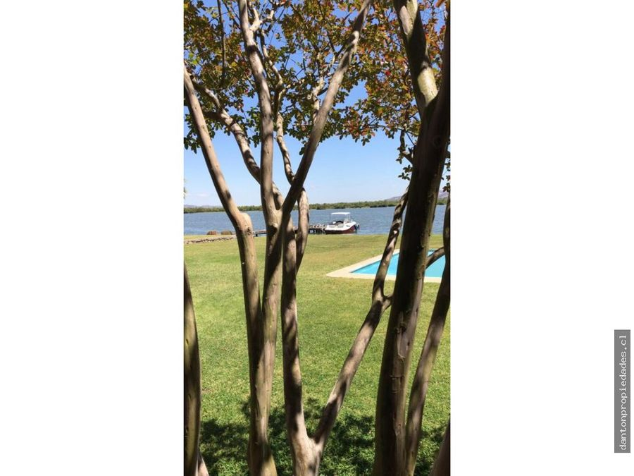 parcela a orilla de lago rapel