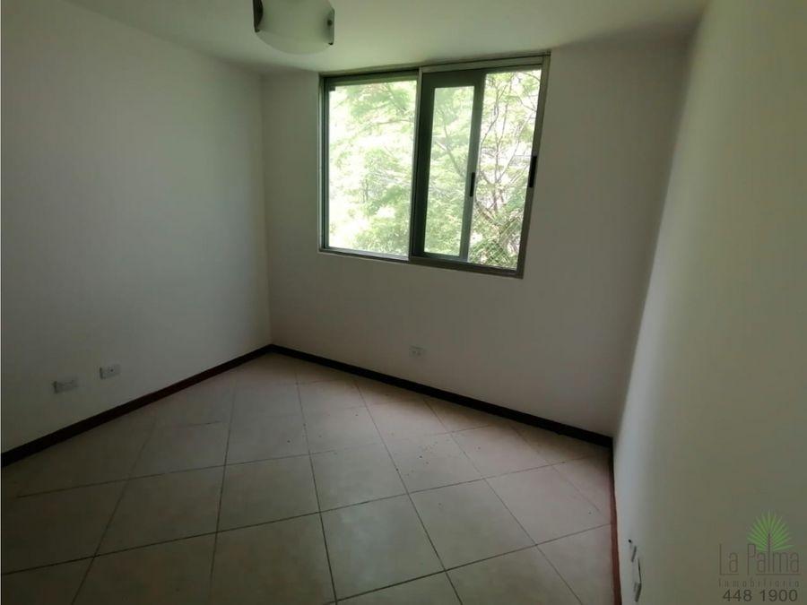 apartamento en arriendo en el poblado cod 5826