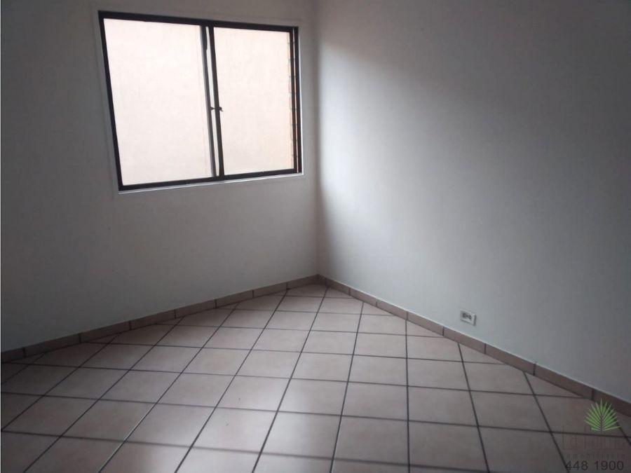 apartamento en prado centro en arriendo cod 5845