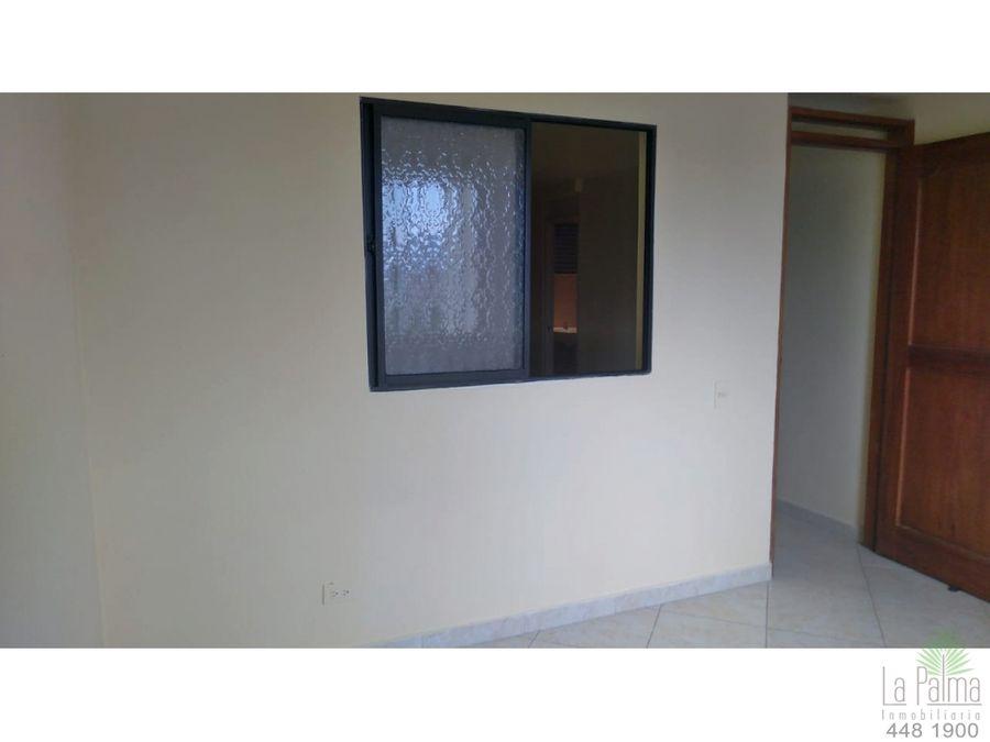 aparta estudio en venta en el barrio centro cod 6434