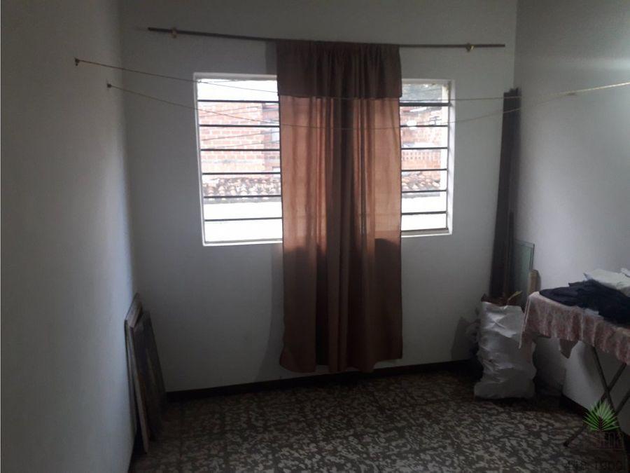 casa en venta en enciso cod 5436