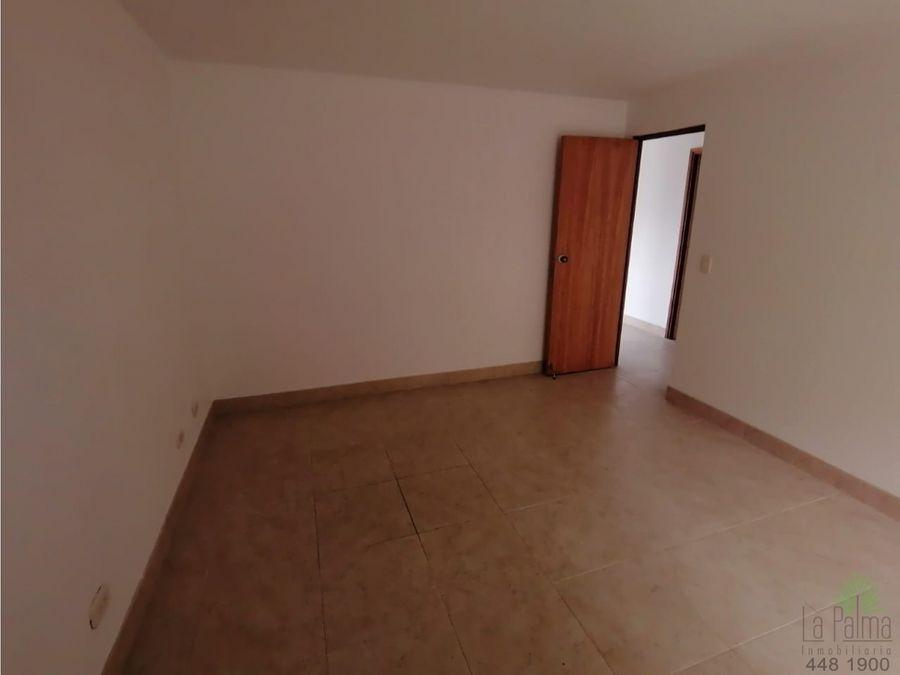apartamento en arriendo en el poblado 5822