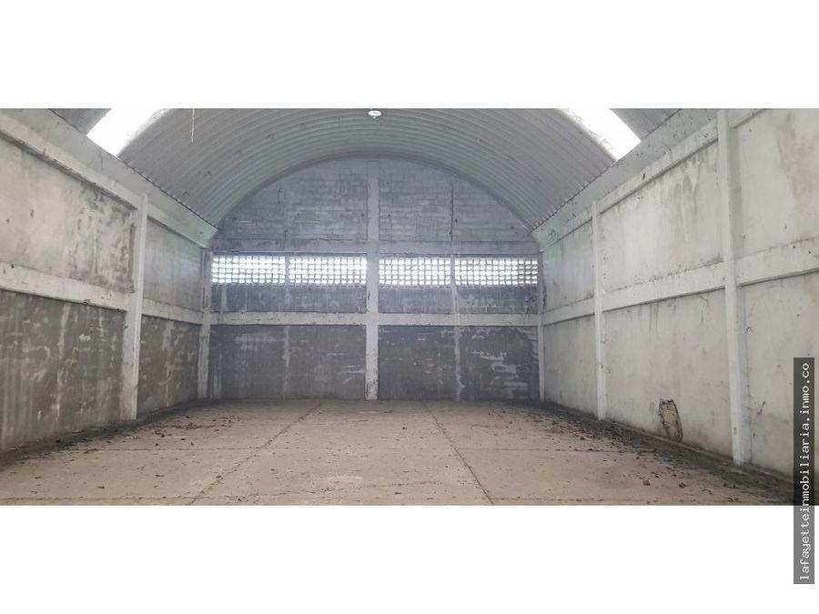 3 bodegas en periferico entrada a la vereda 330 m2 cu o 990 m2
