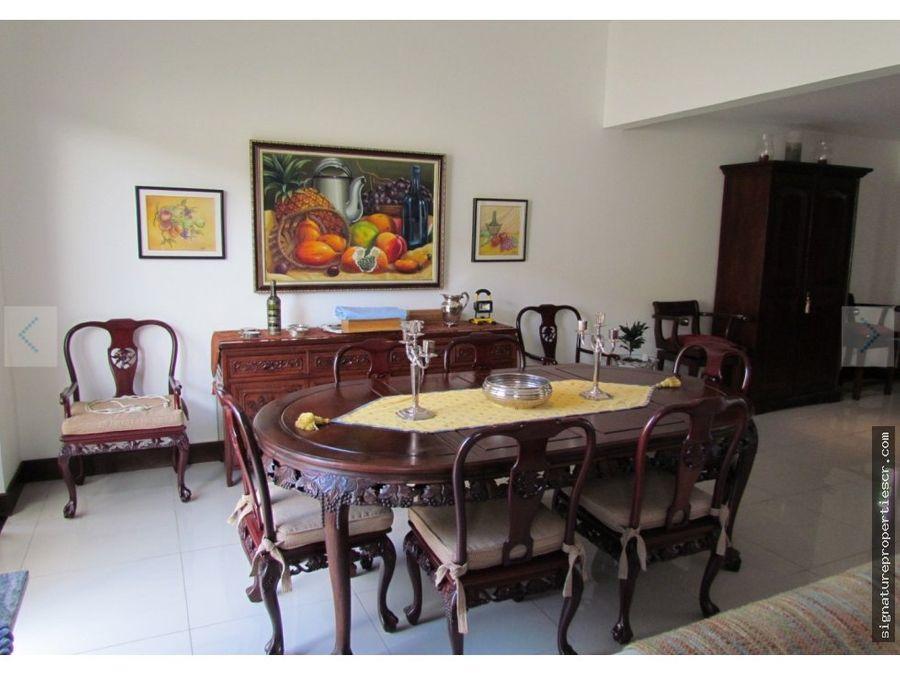 townhouse en condominio brasil de mora santa ana