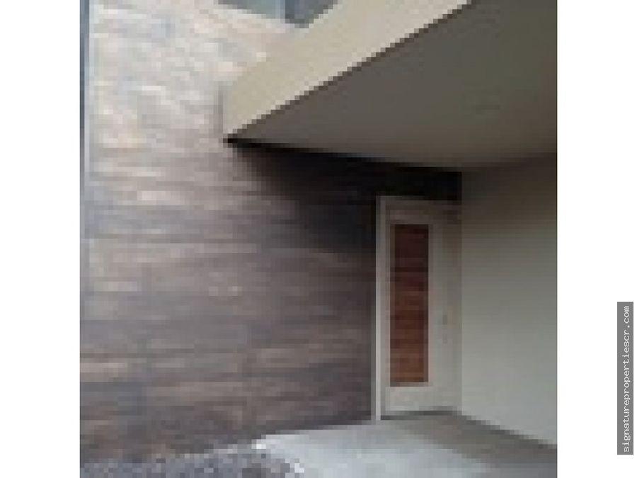 casa en condominio exclusivo en santa ana