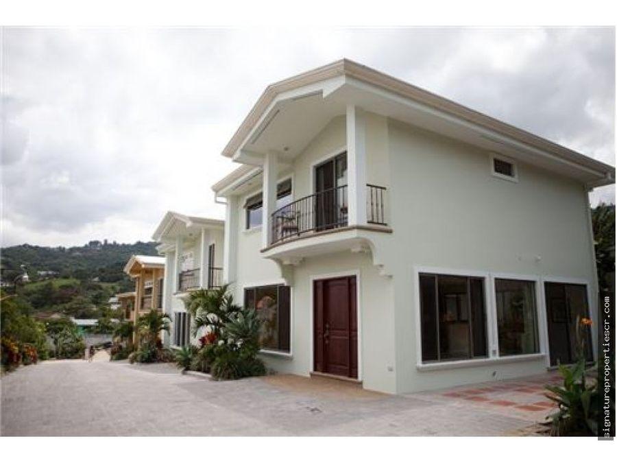 proyecto de 4 casas y 3 lotes en santa ana
