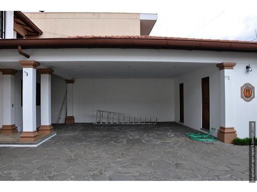 amplia casa en escazutrejos montealegre