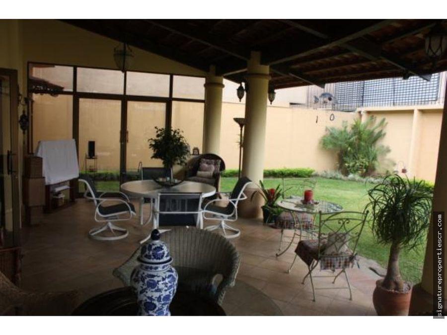 casa en residencial curridabat guayabos