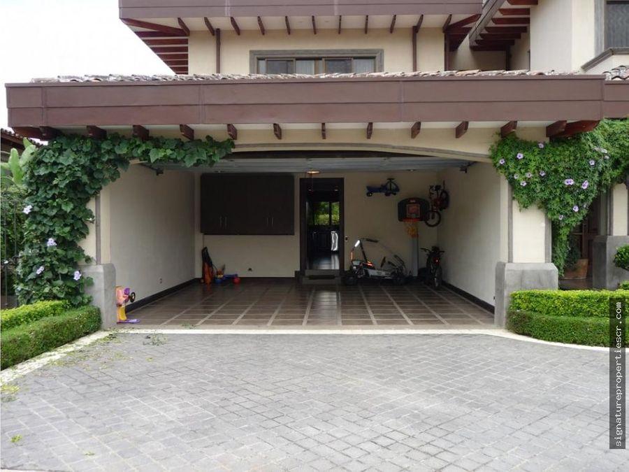 casa en exclusivo residencial en curridabat