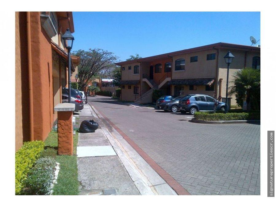 casa en condominio brasil de mora santa ana