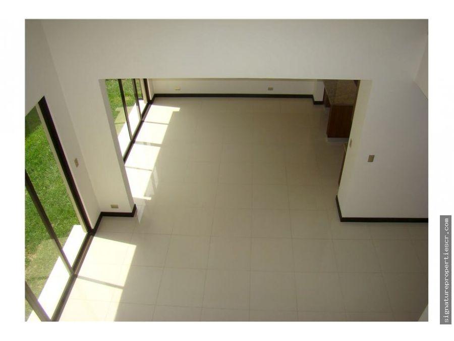 casa en exclusivo residencial guachipelin