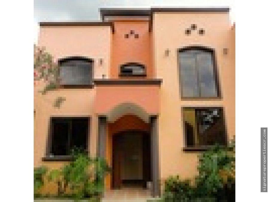 casa ubicada en brasil de mora