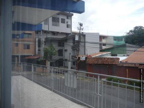 edificio de dos niveles zapote