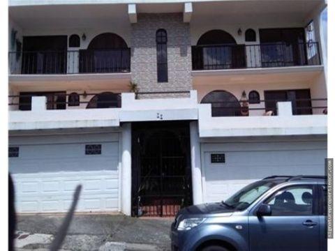edificio de 4 apartamentos en residencial