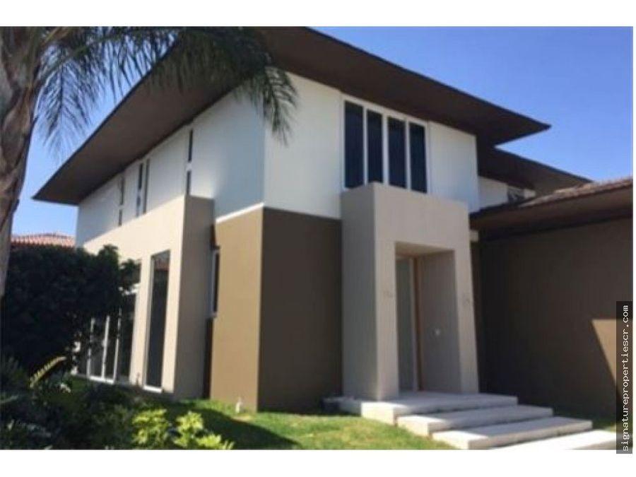 casa de lujo en residencial privado lindora