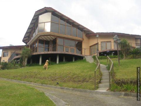casa de montana con vista llano grande tres rios