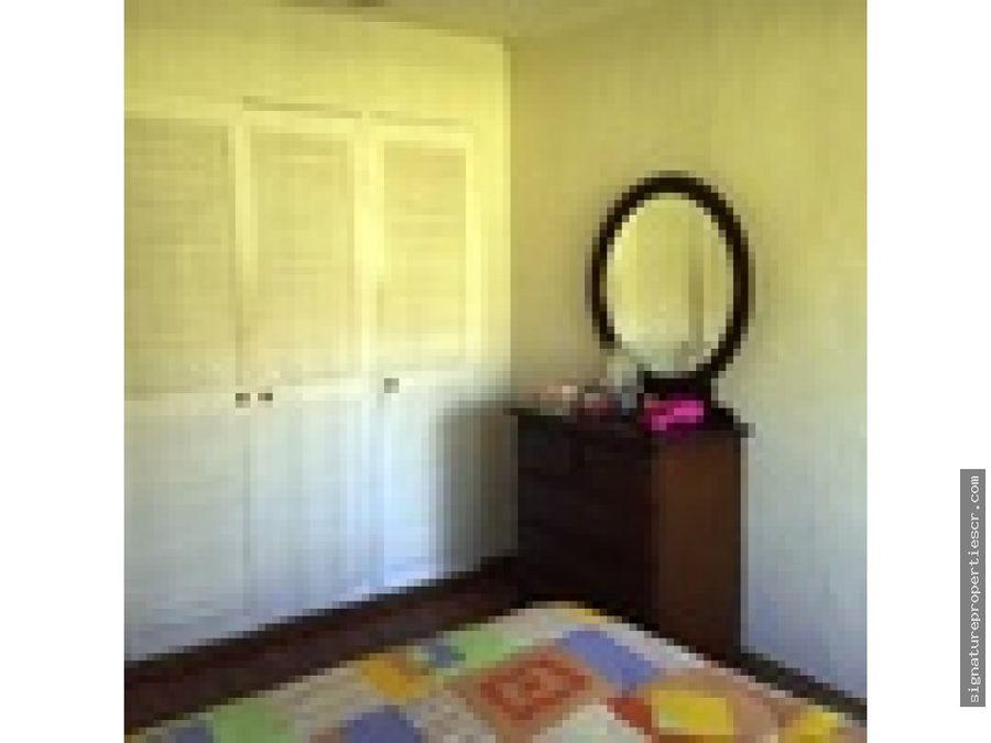 casa de 4 dormitorios ubicada en rohrmoser