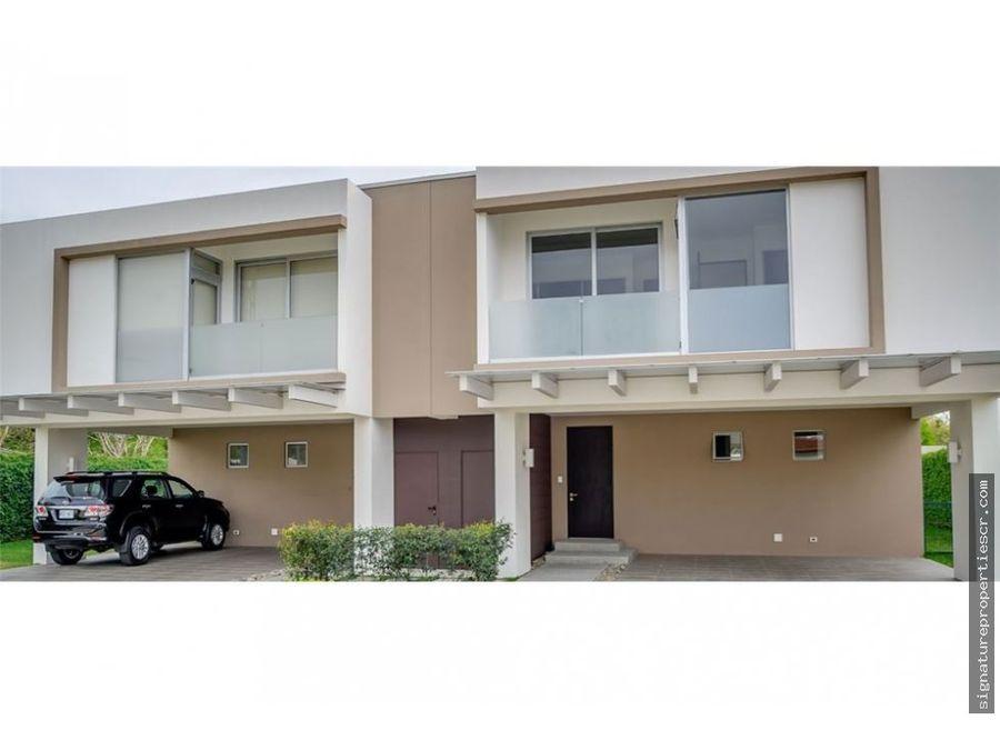 casas de 1 o 2 niveles en exclusivo residencial