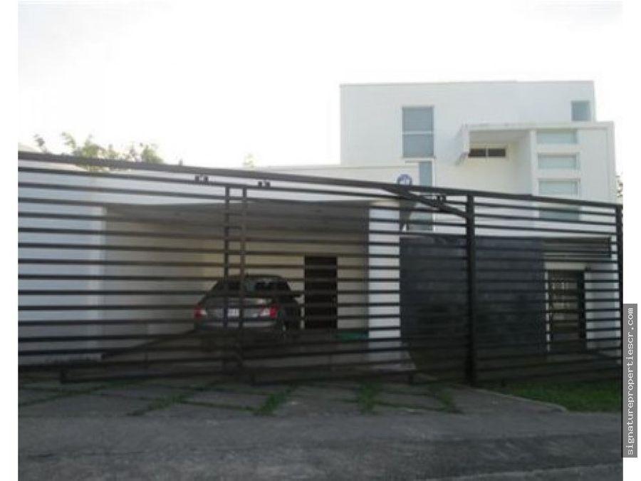casa de dos niveles contemporanea alajuela