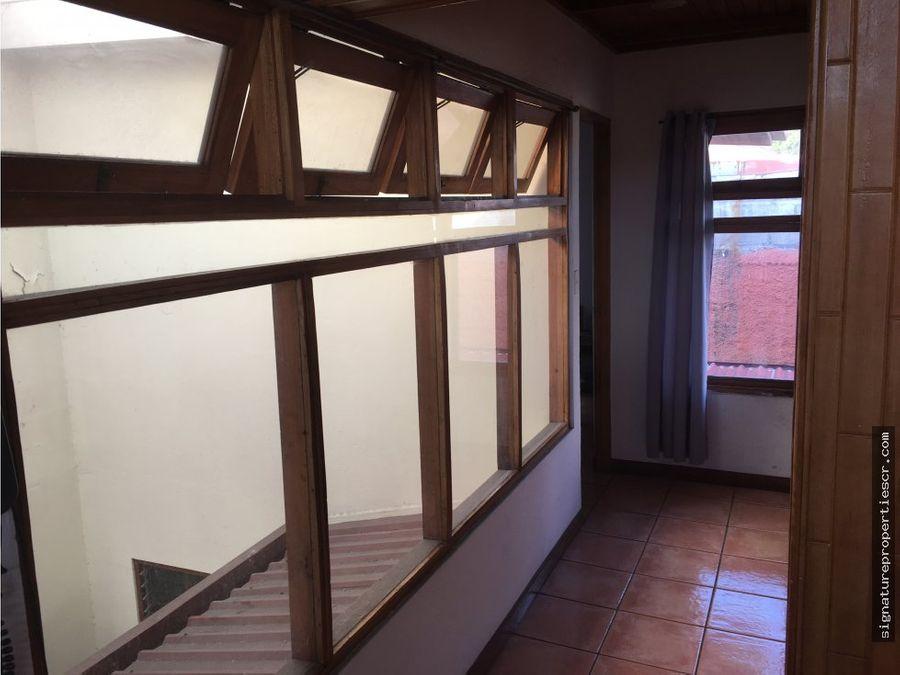 townhouse de 3 dormitorios en moravia la guaria