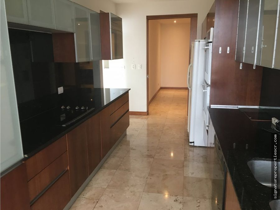 apartamento en metropolitan tower sabana oeste