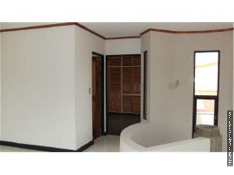 condominio con 3 casas lomas de ayarco