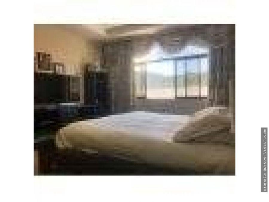 espaciosa casa con bellos acabados en residencial